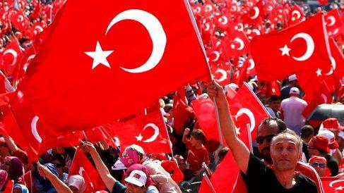 Un millón de manifestantes en Turquía (Foto: Reuters)