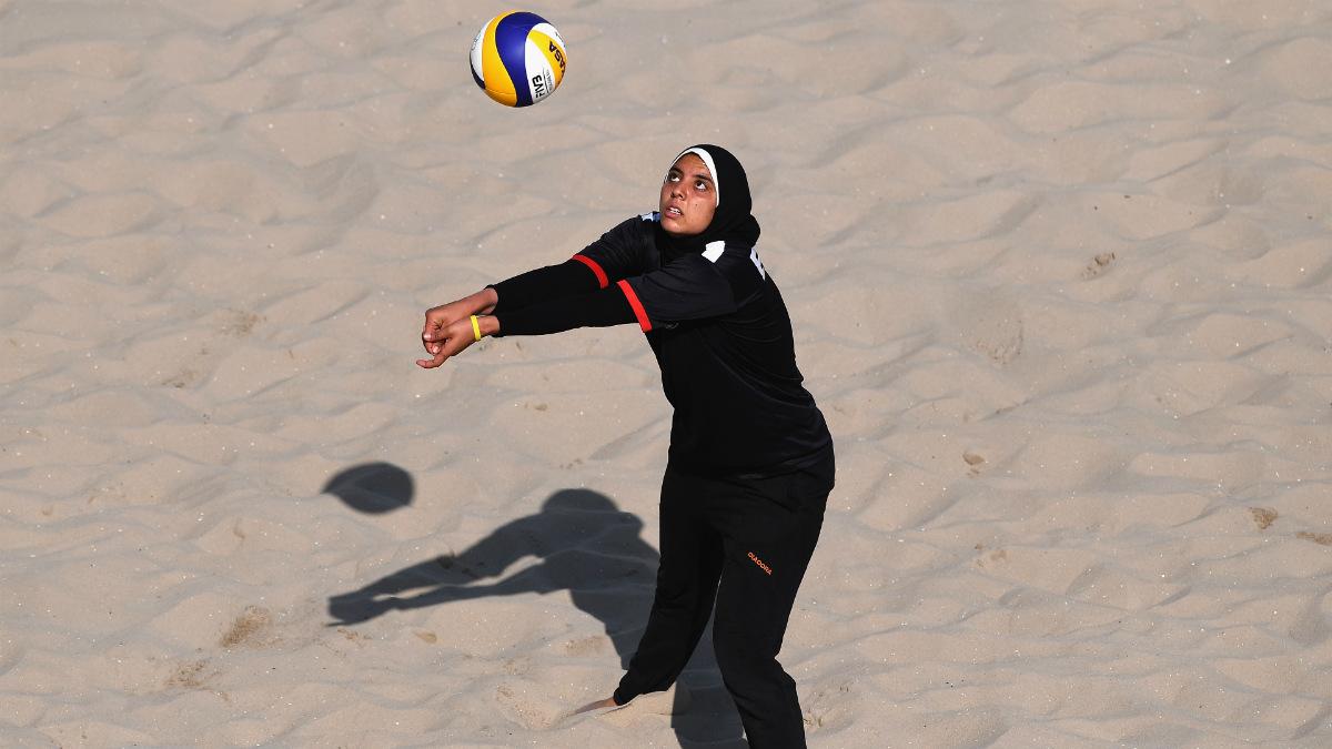 Doaa El Elghobashy, en un entrenamiento de la selección de Egipto. (AFP)