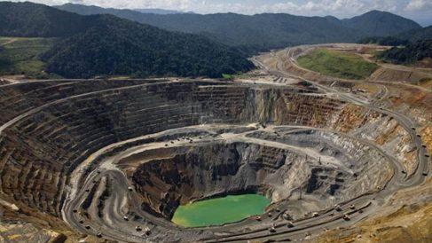 Minas a cielo abierto en Venezuela.