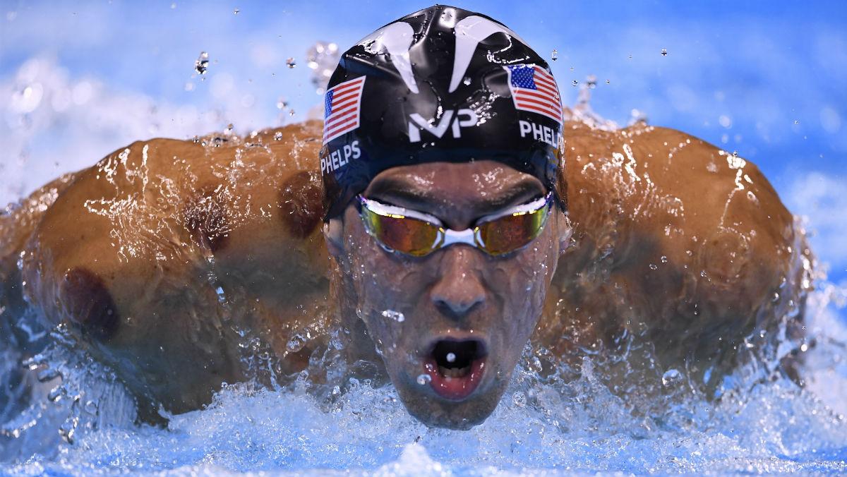 Michael Phelps y sus misteriosos moratones. (AFP)