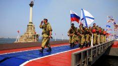La marina rusa celebra su día en Sebastopol (Foto: Reuters)