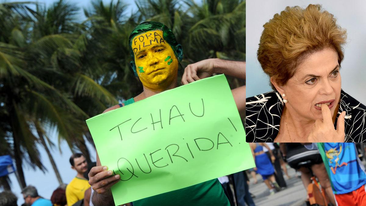Un brasileño le dice adiós a Dilma Roussef en una protesta contra la presidenta apartada del cargo. (Foto: AFP)