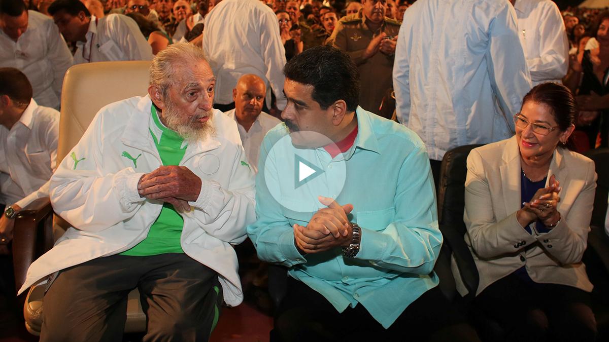 Fidel Castro habla con Nicolás Maduro (Foto: Reuters).