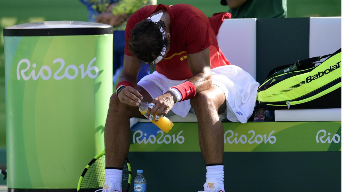 Nadal, totalmente desolado tras perder el partido por el bronce. (AFP)