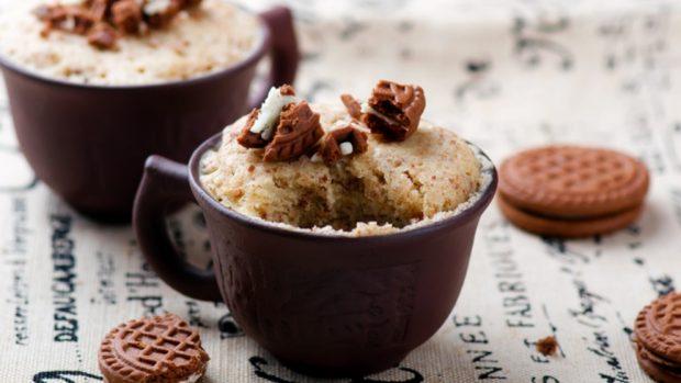 5 recetas de mug cake de chocolate para preparar un postre delicioso en 5 minutos