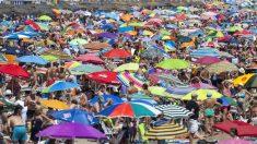Playa de La Malvarrosa, en Valencia. (Foto: EFE)