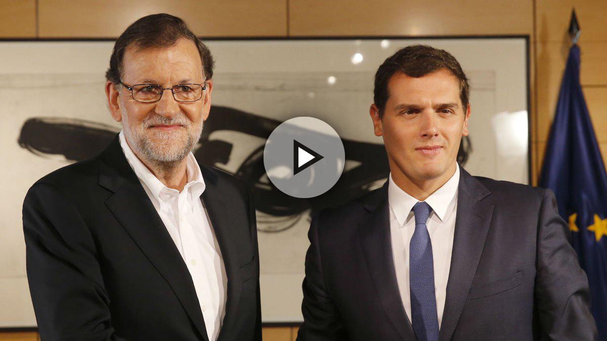 El presidente del Gobierno en funciones, Maraino Rajoy y el líder de C'S, Albert Rivera.