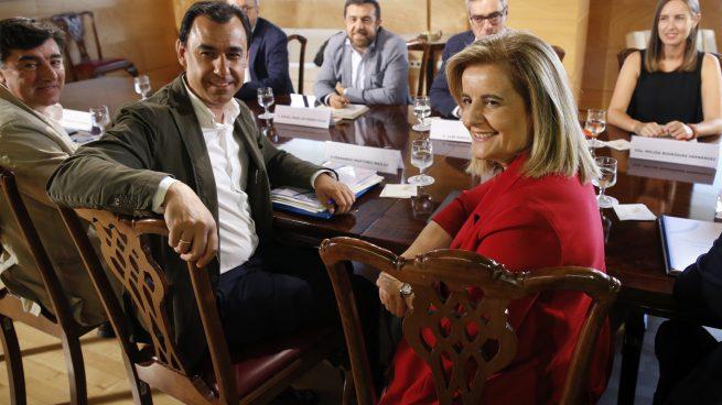La brecha de los partidos en el Pacto de Toledo hace muy difícil el acuerdo que espera Báñez
