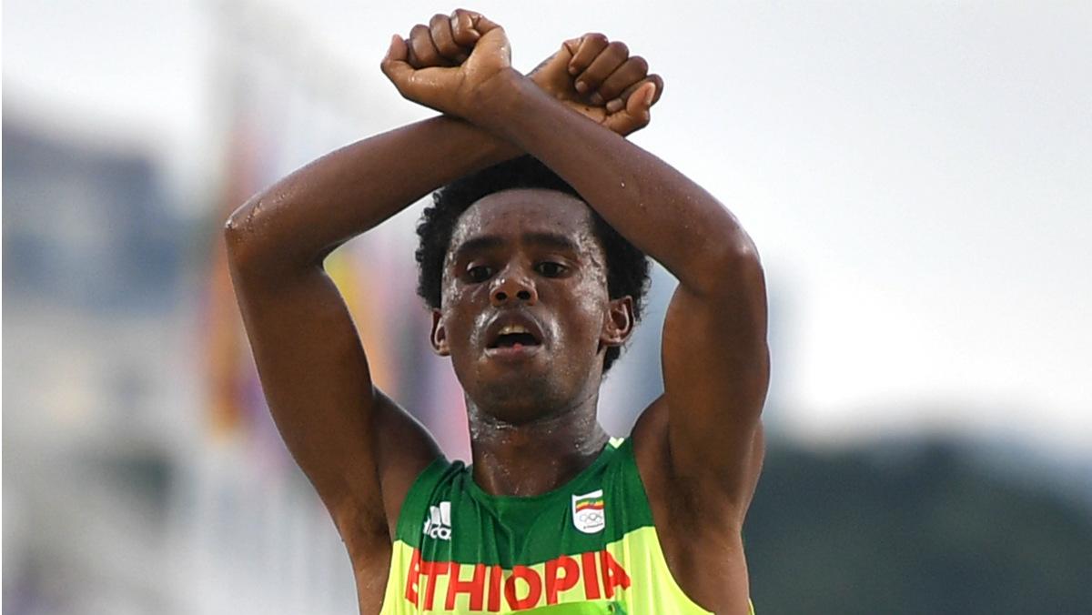 El subcampeón de maratón está amenazado de muerte en Etiopía. (AFP)