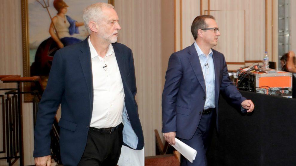Jeremy Corbyn y Owen Smith se disputan el líderazgo del partido laborista británico. (Foto: Getty)