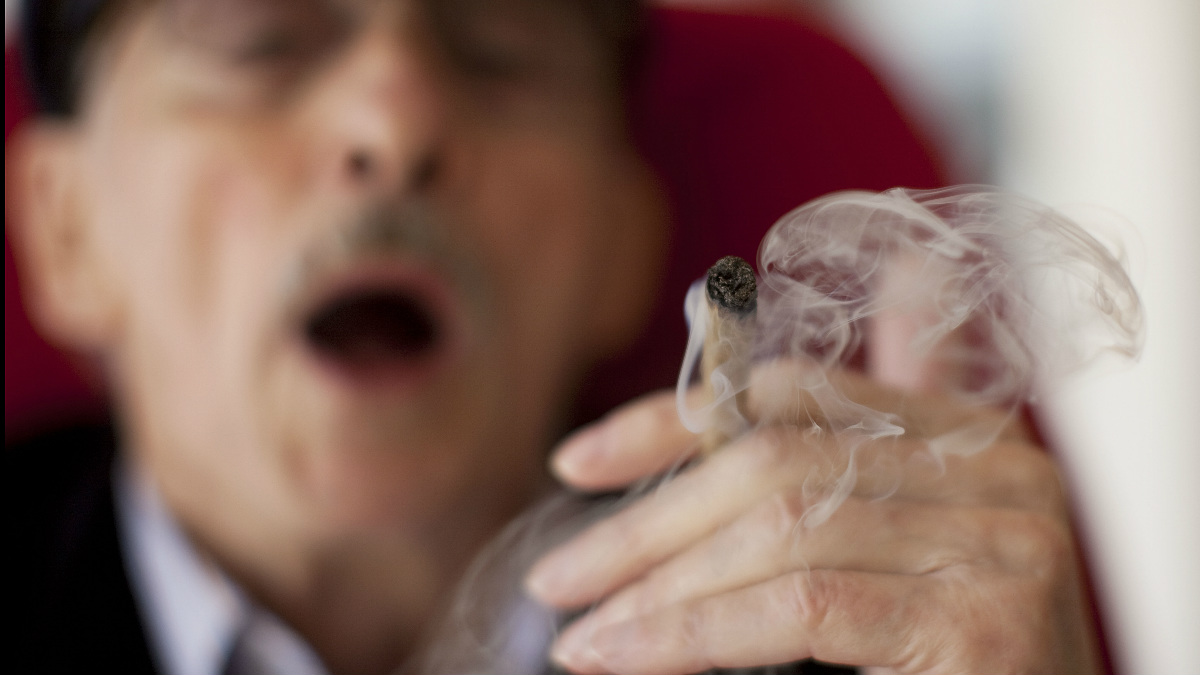 El uso de la marihuana con fines terapéuticos se esta extendiendo y desestigmatizando. (Foto: Getty)