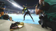 Usain Bolt celebra uno de sus oros en Río. (Getty)