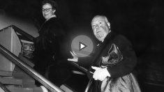 Alfred Hitchcock abandona Roma acompañado de su mujer, y guionista, Alma Reville. (Foto: Getty)