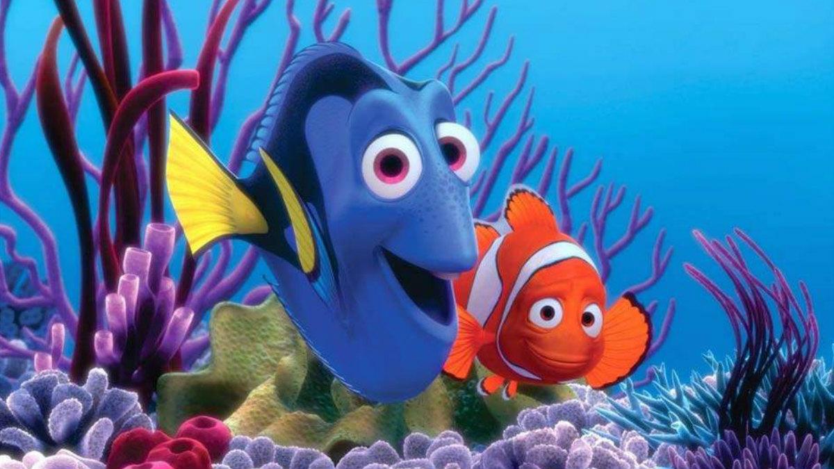 Dory y Marlin buscan al hijo del pez payaso, Nemo, al que ha atrapado un humano. Juntos tendrán que superar diversos contratiempos y peligros. (Foto: Pixar)