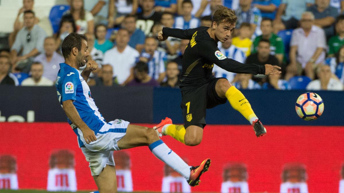 Antoine Griezmann dispara a puerta ante el Leganés. (AFP)