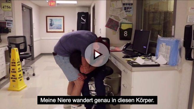 Dona un riñón a su amigo enfermo y graba su reacción en vídeo