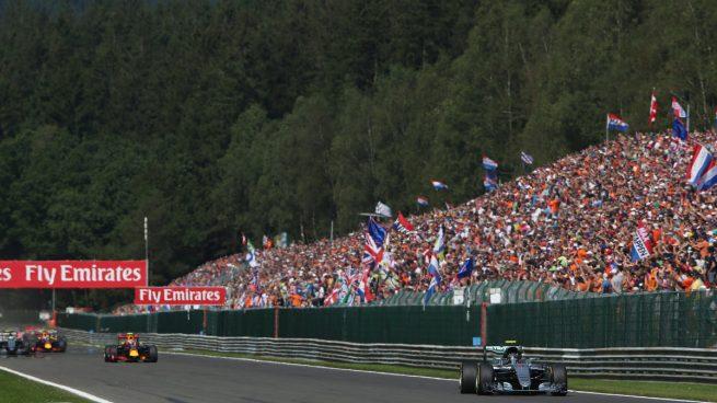 Nico Rosberg se hizo con la victoria en Bélgica. Carrerón de Hamilton y Alonso (Getty)