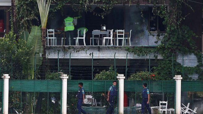 John Kerry denuncia en Bangladesh la presencia del Estado Islámico en el país asiático