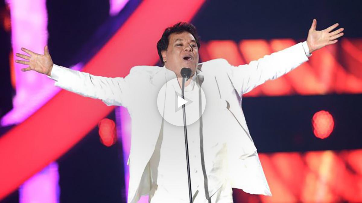 Juan Gabriel durante una actuación en Miami (Foto: AFP).