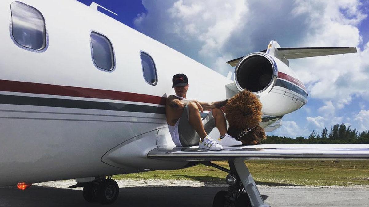 J Balvin sale ileso tras estrellarse su avión