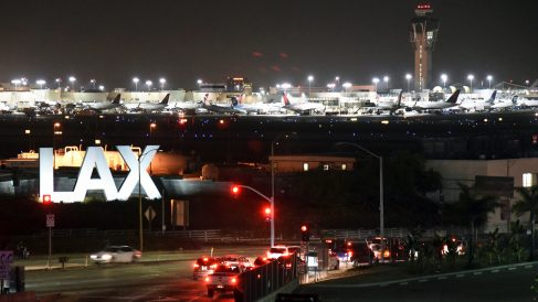 Aeropuerto Internacional de Los Angeles. (Foto: Reuters)