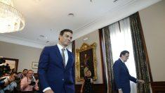 Pedro Sánchez y Mariano Rajoy en el Congreso. (Foto: EFE)