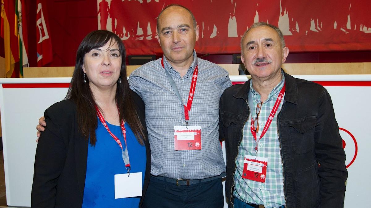 El secretario general de UGT, Josep María Álvarez (d), el secretario de La Rioja, Juan José Bárcenas,(c) y Cristina Antoñanzas (i), vicesecretaria general. (Foto: EFE)