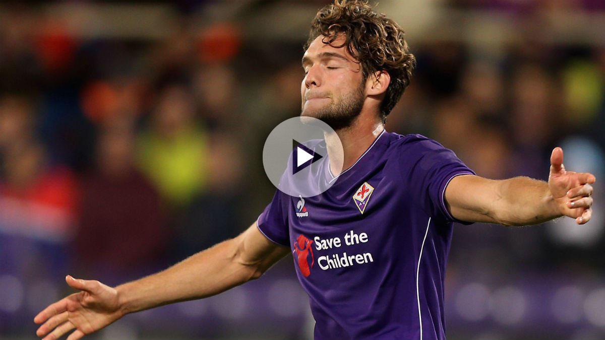 Marcos Alonso celebra un gol con la Fiorentina. (Getty)