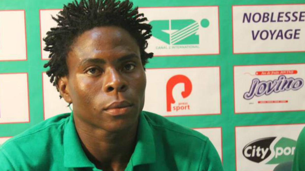 Nlend, internacional con la selección de Camerún.