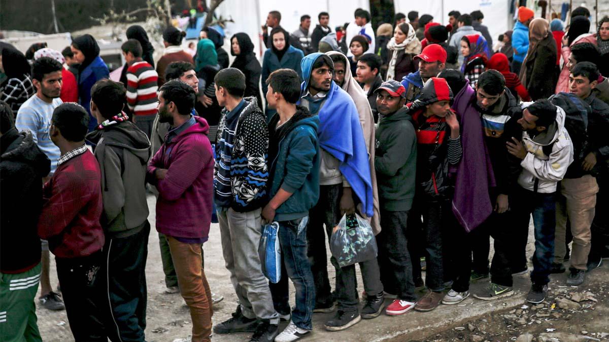 Refugiados procedentes de Siria llegados en las últimas horas a las islas griegas (Foto: AFP)
