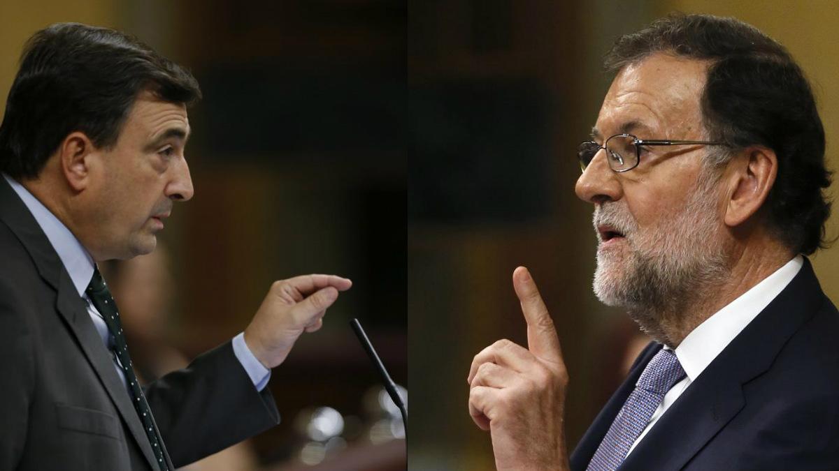 El portavoz del PNV. Aitor Esteban, y el presidente del Gobierno, Mariano Rajoy. EFE | Presupuestos 2018