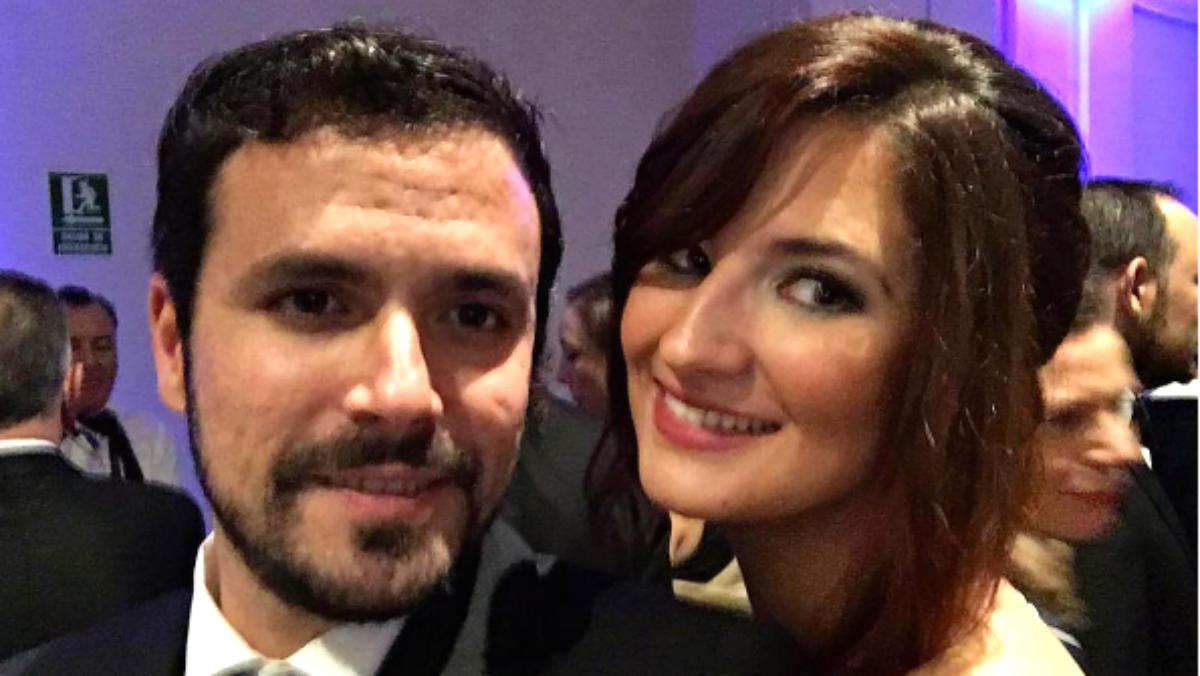 El coordinador de IU, Alberto Garzón, junto a su pareja, Anna Ruiz (Foto: Instagram)