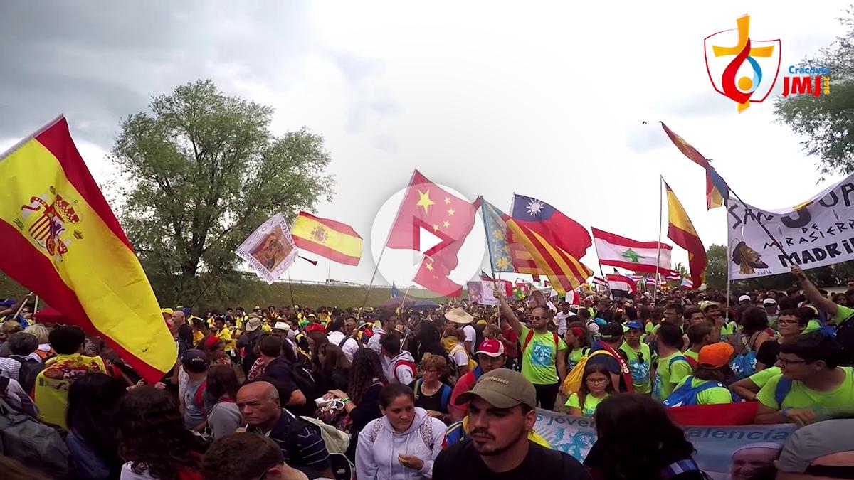 Miles de jóvenes se reunieron en Cracovia para ver al Papa Francisco (Marcos Rivera)