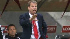 El seleccionador de Liechtentein bromeó con las ausencias de Iniesta y Fábregas. (AFP)