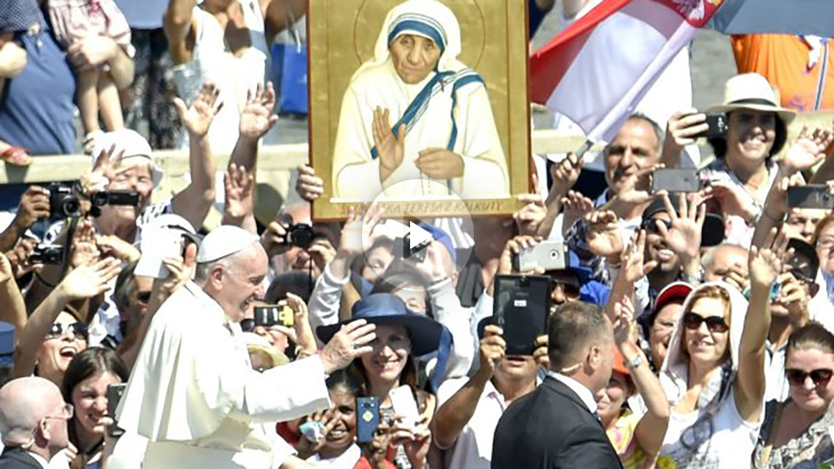 El PP este domingo en la plaza de San Pedro (Foto: AFP).