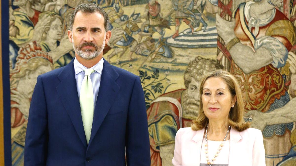 El Rey y la presidenta del Congreso, Ana Pastor (Foto: Efe).