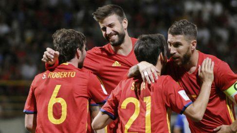 La selección española celebra uno de los goles del partido. (EFE)