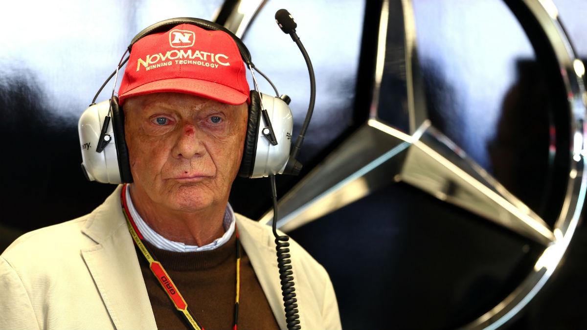 Niki Lauda opina que Vettel está sufriendo en Ferrari, equipo al que critica por padecer los mismos males endémicos de siempre. (Getty)