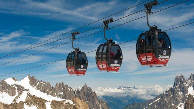 Más de 40 personas pasarán la noche a 3.000 metros en las cabinas del teleférico sobre el Montblanc