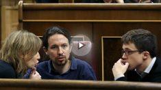 Tania Sánchez, Pablo Iglesias e Íñigo Errejón, en el Congreso de los Diputados (Foto: Efe)