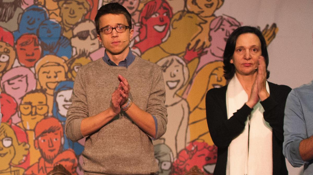 Íñigo Errejon y Carolina Bescansa en imagen de archivo. (Foto: AFP)