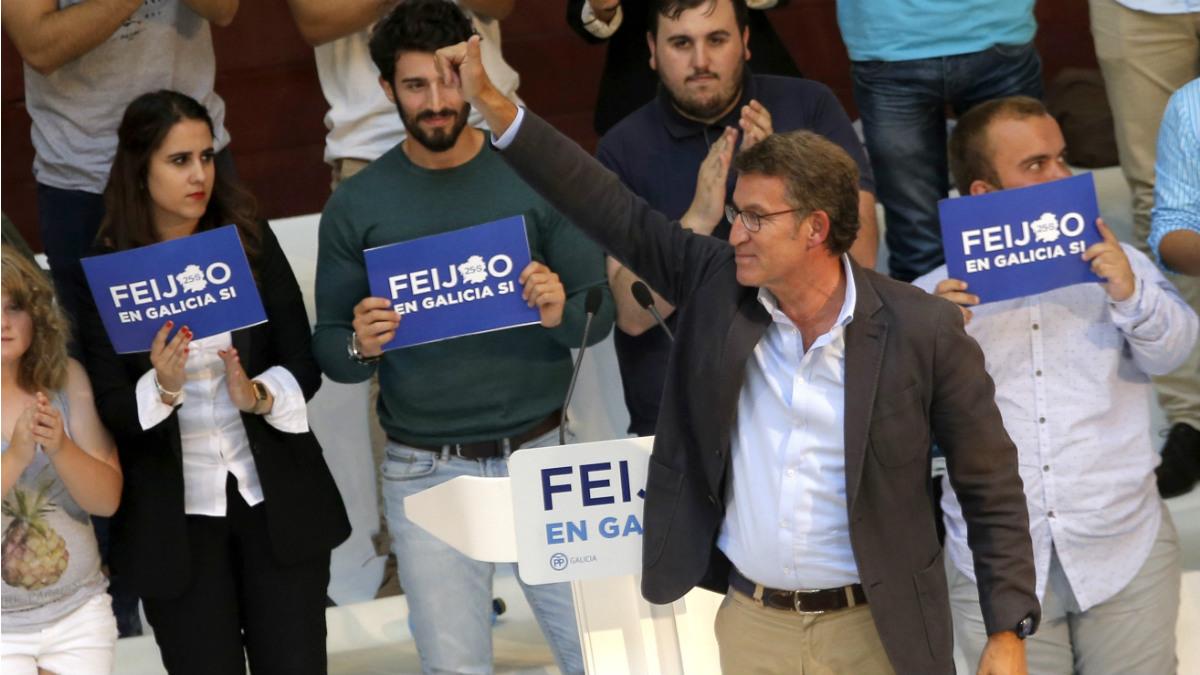 Alberto Núñez-Feijóo en un mitin en Pontevedra. (EFE)