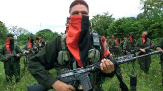 Terroristas del ELN de Colombia durante unas maniobras. (Getty)