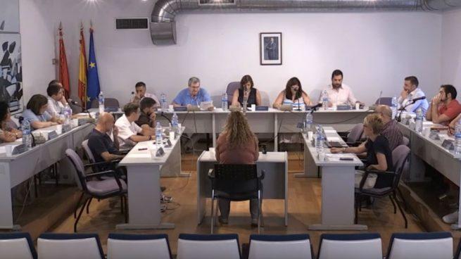 Bronca en Twitter entre Ganemos e Izquierda Unida de Valdemoro: «¿Desayunáis con concejales del PP?»