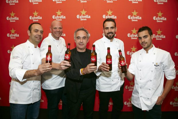 Ferran Adriá con los chefs que participaron en la segunda edición del Estrella Damm Gastronomy Congress, celebrado en Londres. (ESTRELLA DAMM)