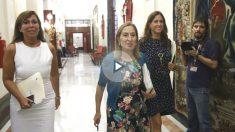 La presidenta del Congreso, Ana Pastor; la vicepresidenta tercera, Rosa María Romero (d), y la secretaria primera, Alicia Sánchez Camacho, a su llegada hoy a la reunión de la Mesa de la Cámara (Foto: Efe)