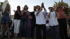 Espinar y Urbán, con Sánchez y Maestre, en un acto de Podemos. (Foto: TW)