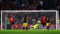 Jan Oblak detiene el penalti a Guardado en el PSV – Atlético