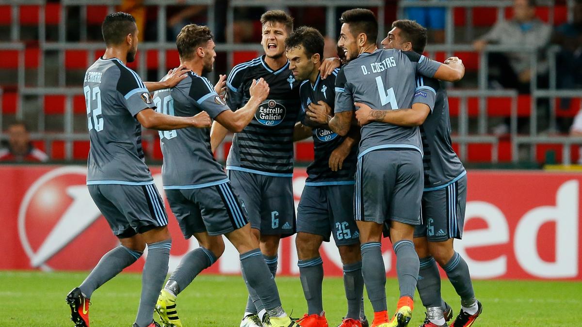 Los futbolistas del Celta celebran el tanto de Giuseppe Rossi
