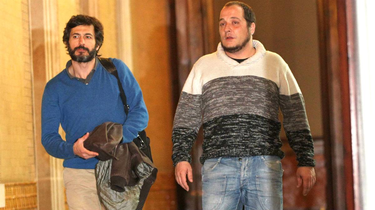 Oleguer Pujol Ferrusola junto al ex diputado de la CUP David Fernández (Foto: EFE).